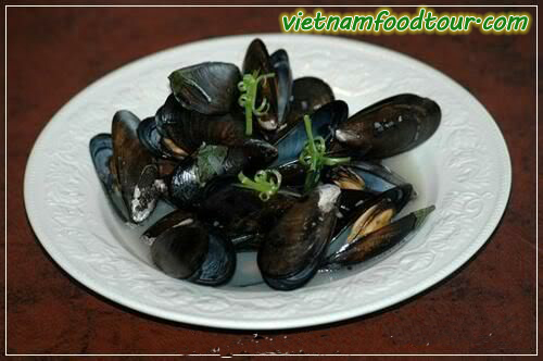Mussel steam with ginger leave