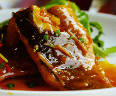 Braised fish with sauce