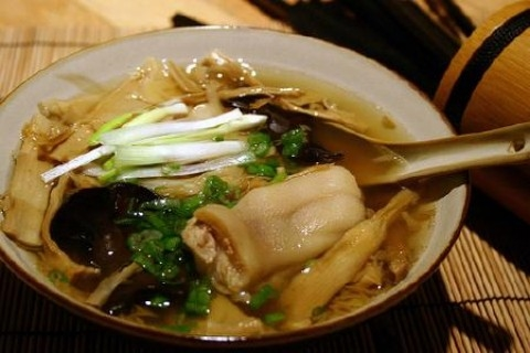 Dried bamboo shoots soup