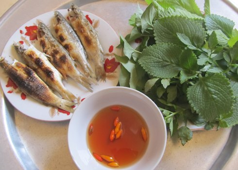 Grilled Mullet Fish Wrap in Lotus Leaves