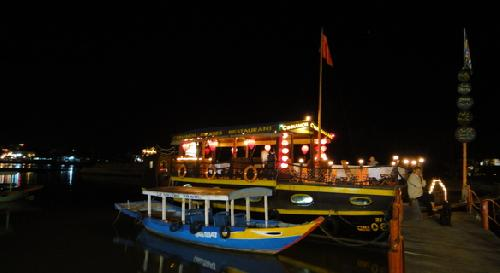Gorgeous dinning Hoi An sunset cruise
