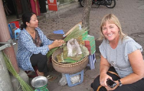 Hanoi countryside market & home cooking