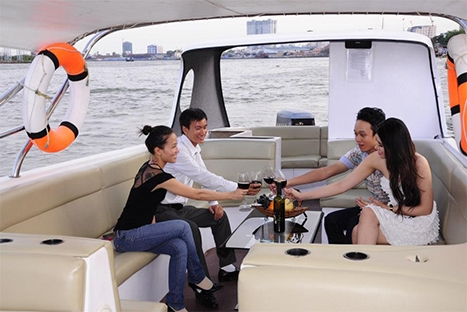 Cooking Class and Sunset Cruise in Saigon