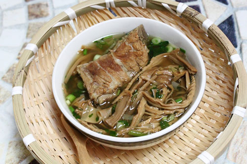 dried bamboo broth